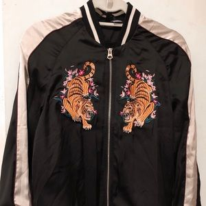 Beautiful track jacket with tigers